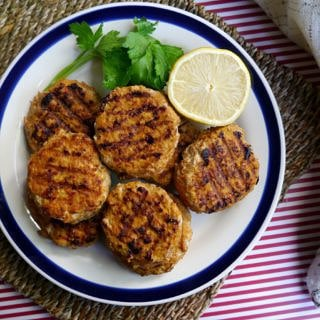 Spicy Paprika Chicken Patties - gluten free, grain free and dairy free. An easy, economical and healthy meal idea! Via nourisheveryday.com