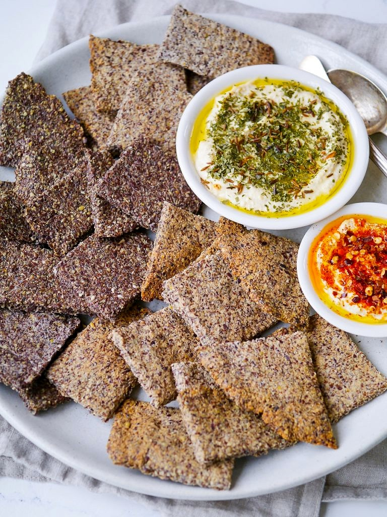 Easy Crunchy Flaxseed Crackers {gluten free, grain free, egg free, vegan, paleo, sugar free} - recipe by Nourish Everyday