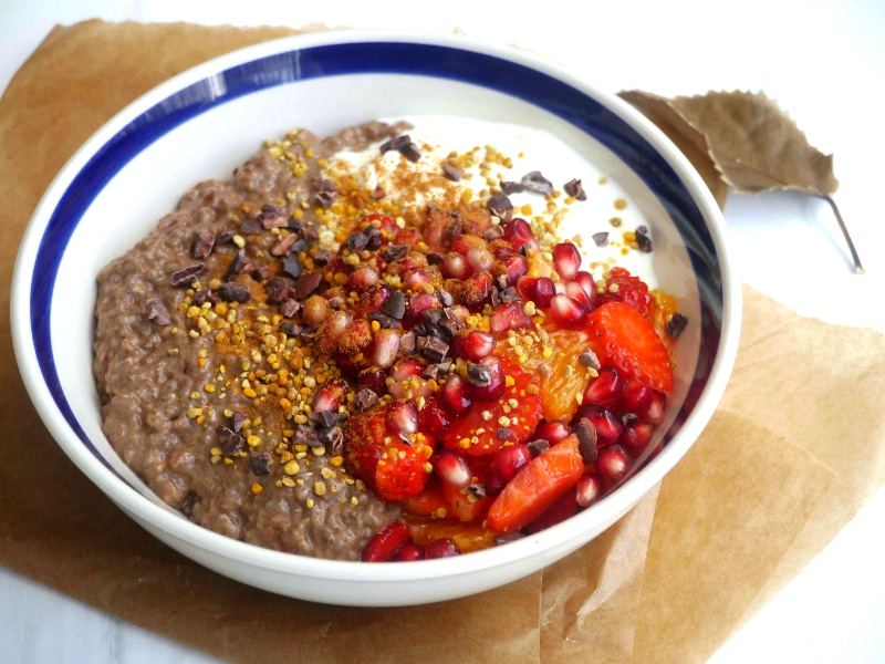 High Protein Cacao Chia Pudding - an easy healthy breakfast or snack you can meal prep in advance! Recipe via Nourish Everyday