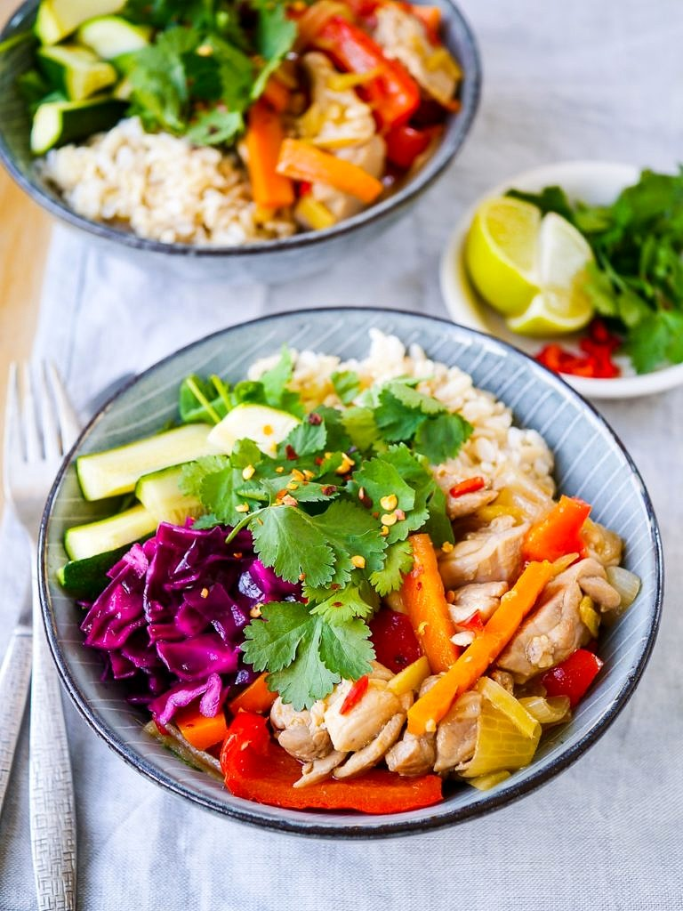 Ginger Chilli Chicken Rice Bowls; a balanced meal made with natural real food ingredients. Gluten free, dairy free and refined sugar free. An easy healthy dinner!