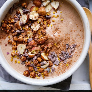 In this interview with NanaBowls learn about how this healthy smoothie business started, plus grab the recipe for an amazing Nutella Crunch Smoothie Bowl! Via nourisheveryday.com