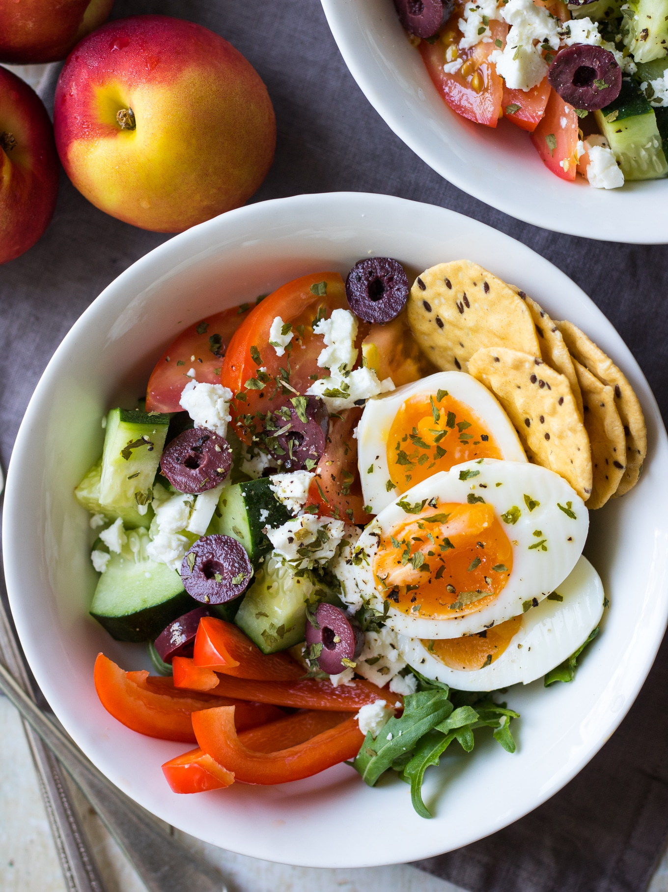 Meal prep breakfast bowls Greek style! Take boiled eggs and add cucumber, tomatoes, capsicum, feta and olives. Loads of fresh veggies and protein will give you the best healthy start to the day! #breakfastbowl #mealprep #glutenfree #breakfastsalad