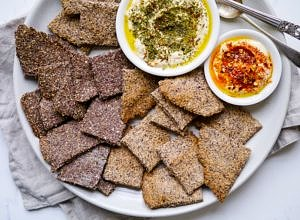 Easy Crunchy Flaxseed Crackers
